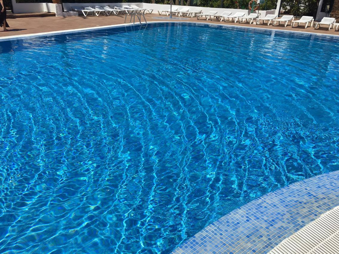 Mantenimiento de piscinas en maspalomas gran canaria for Mantenimiento de piscinas